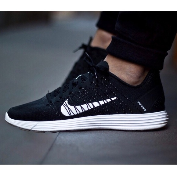 new product 94bb6 0b267 NIKE Lunaracer 3 Sneakers. M 5a6a76562ae12fa0913f4901